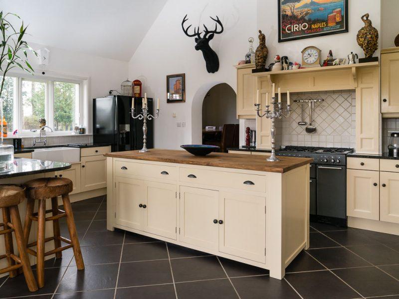 tulipwood-kitchen